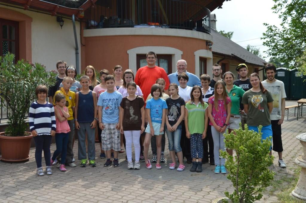 gyerektábor csoportkép